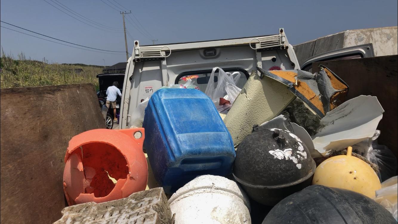 トラック満杯のゴミ