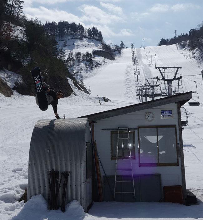 フリーセッションのスノーボードライダー中島の紹介写真